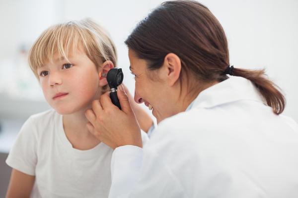 Можно ли вылечить отит у ребенка без антибиотиков