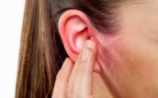 Почему течет жидкость из уха и что делать?