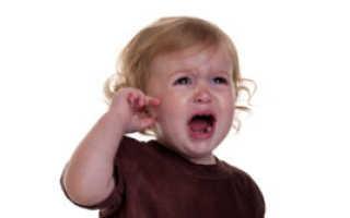 Какие капли можно капать в уши детям?